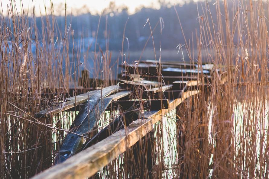 wood-broken-lake-pier-large